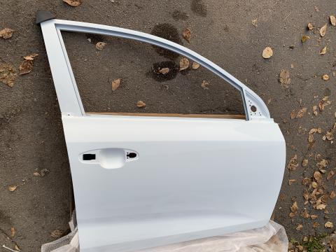 Дверь Kia Rio 4(17-) передняя правая Белая PGU купить в Санкт-Петербурге цена